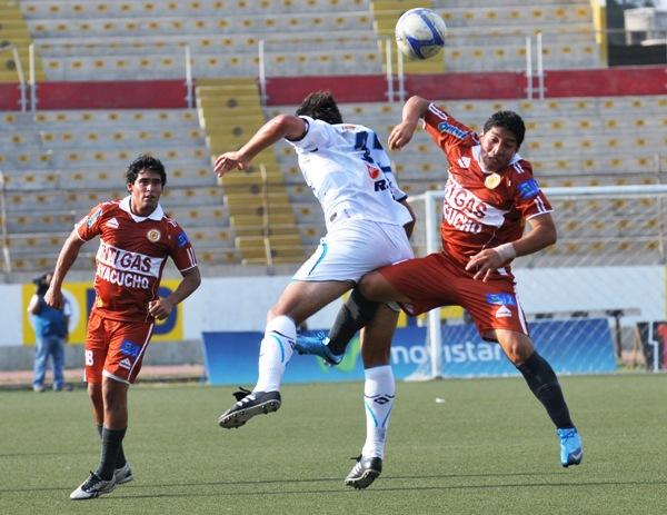 FECHA 11. Gran encuentro entre César Vallejo e Inti Gas. Trujillo fue testigo de un 3-3 entre ambos elencos. (Foto: diario La Industria de Trujillo)