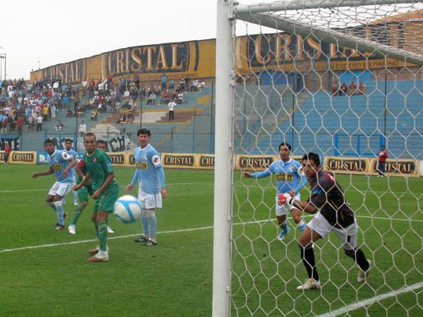 FECHA 12. CNI empezó ganando el partido, pero se deó estar y casi termina perdiendo. El resultado final fue 1-1. (Foto: José Salcedo / DeChalaca.com)