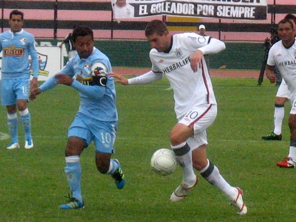 FECHA 13. En esta ocasión San Martín no pudo mostrarse superior a Cristal a pesar de ir ganando, y acabó en empate a uno. (Foto: José Salcedo / DeChalaca.com)