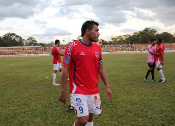 FECHA 14. Tras el final del partido, Roberto Jiménez no pudo ocultar su malestar por el empate a cero conseguido en condición de local ante Boys. (Foto: José Flores / Canal E-Moyobamba)