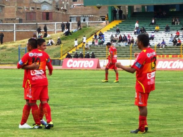 FECHA 15. Entre Írven Ávila y Johan Sotil armaron un festin ante Cristal. Huancayo ganó 3-0. (Foto: Diario Primicia de Huancayo)