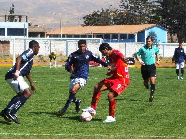 FECHA 16. Empate 2-2 entre Cienciano y Sport Huancayo. El conjunto 'imperial' se daba un poco de gusto. (Foto: diario Primicia de Huancayo)