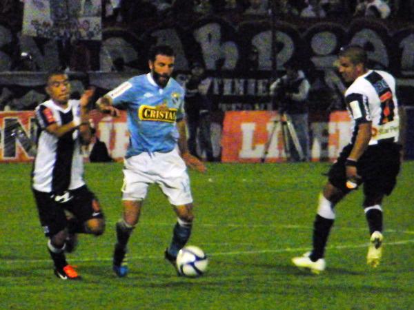 Prospecto de goleador en sus inicios, la actualidad de Juan Diego Gonzales Vigil lo tiene como un jugador sin equipo que el año pasado desempeñó funciones defensivas (Foto: Wagner Quiroz / DeChalaca.com)