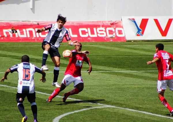 FECHA 19. Cienciano seguía en mala racha. Alianza Lima ganó 1-0 en Cusco en un cerrado encuentro. (Foto: Diario del Cusco)