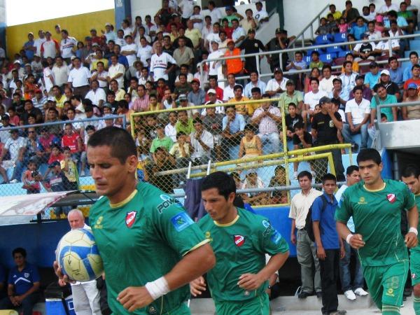 Las tres temporadas que CNI disputó en su regreso a Primera, Hugo Castillo permaneció fiel a los colores del equipo charapa (Foto: Jhon Guevara, Revista Alto Mayo)