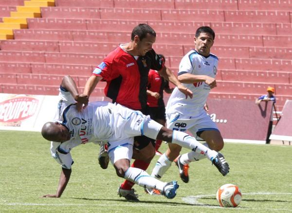 FECHA 20.  Con un inspirado Edson Aubert, Melgar conseguiría uno de sus mejores resultados en el campeonato cuando superó 3-0 a Vallejo. (Foto: Prensa Melgar)