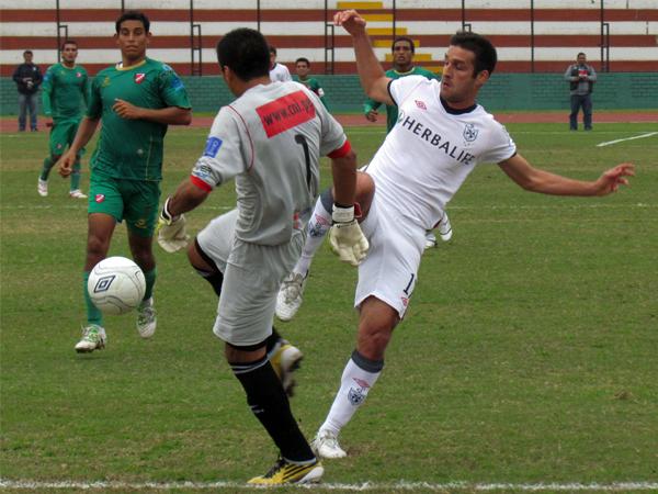 FECHA 20. Se defendió lo que pudo, pero terminó cediendo ante San Martín y fue derrotado por 1-0. (Foto: José Salcedo / DeChalaca.com)