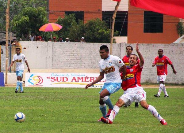 FECHA 20. La presión que ejerció Comercio sobre Cristal rindió sus frutos y se llevó un 1-0 tranquilo en Moyobamba. (Foto: Revista Alto Mayo)