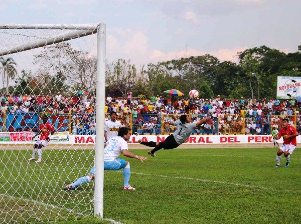 FECHA 20. Este golazo de Jiménez le bastó a Unión Comercio para imponerse por la mínima ante Cristal. El cuadro rimense miraba de cerca el descenso. (Foto: Revista Alto Mayo)