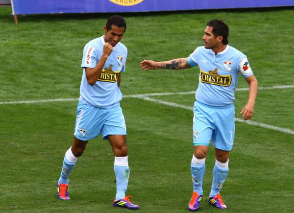 FECHA 21. Un solitario gol de Carlos Lobatón le dio un triunfazo a Cristal en Cienciano. (Foto: La Jugada)