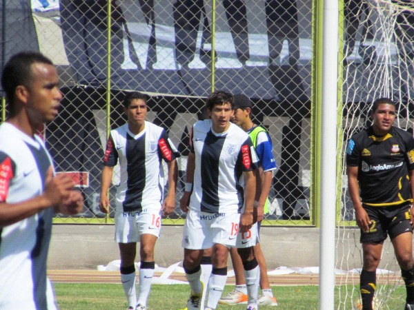 FECHA 21.  El rendimiento del cuadro blanquiazul alcanzaría su punto máximo cuando goleó por 0-5 al Cobresol en Moquegua. (Foto: La Prensa Regional de Moquegua)
