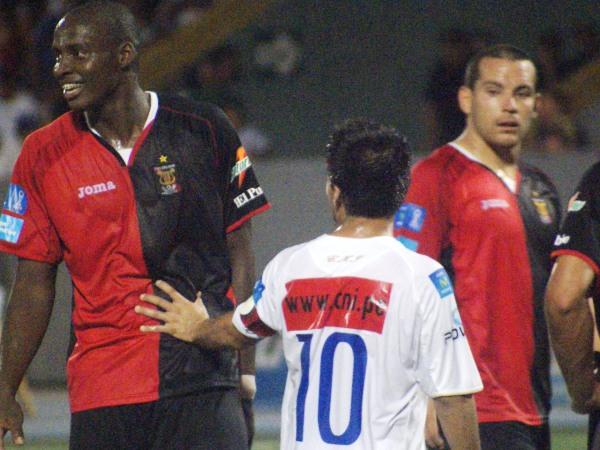 FECHA 23. Bajo las órdenes de Valencia, Melgar lograría recuperarse en el torneo y el 1-3 ante CNI en Iquitos fue una muestra de ello. (Foto: Fernando Herrera / DeChalaca.com)