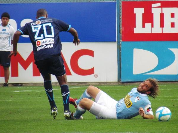 FECHA 24. Frezzotti fue una de las figuras cerveceras en el triunfo por 2-1 sobre Vallejo. (Foto: José Salcedo / DeChalaca.com)