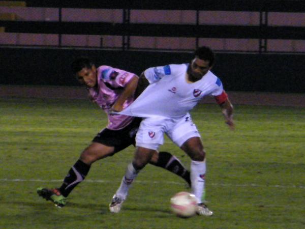 FECHA 24. En el Callao, CNI a pesar de jugar mejor que su rival sucumbió ante él y perdió por 1-0. (Foto: Wagner Quiroz / DeChalaca.com)