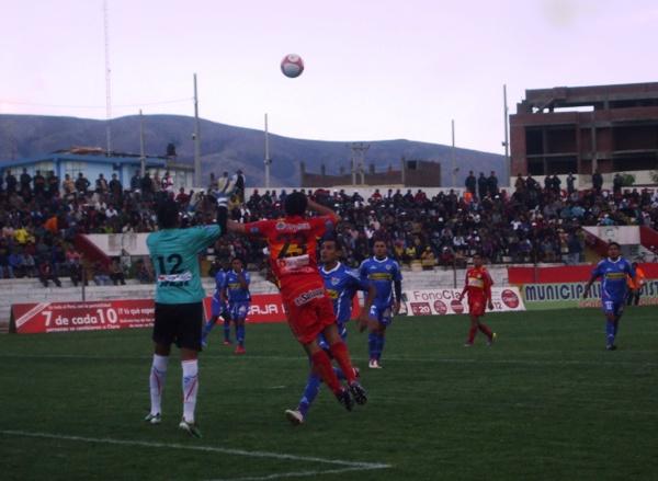 FECHA 25. Parecía empatarlo, pero Huancayo cerró el encuentro a poco del final y le endosó un 3-1 a Unión Comercio. (Foto: Diario Primicia de Huancayo)
