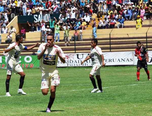 FECHA 25. Gracias a un solitario gol de Héctor Cruz, León de Huánuco se impuso a Melgar. (Foto: Jesús Suárez / DeChalaca.com)
