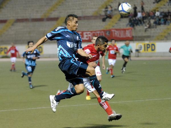 FECHA 25. Pese al esfuerzo, Cienciano sumó un nueva derrota en el campeonato. César Vallejo ganó por 2-0. (Foto: diario La Industria de Trujillo)