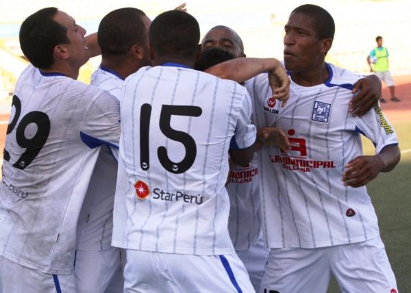 FECHA 26. Con una gran actuaciÛn de Tenem·s, Alianza AtlÈtico se impuso por 2-1 ante CNI. (Foto: Diario La Hora de Piura)