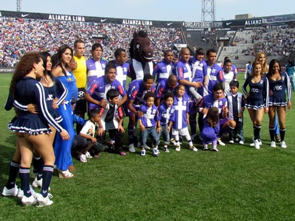 PARA ASEGURAR. Alianza Lima buscaba lograr su clasificación a la Copa Libertadores 2012 y el pase a la final del torneo. (Foto: José Salcedo / DeChalaca.com)