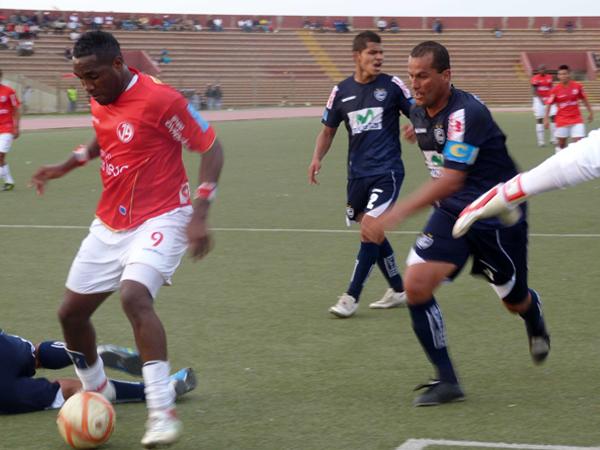 FECHA 27. Cienciano fue inferior a Juan Aurich y cayó por 5-0. Mal juego del elenco 'imperial'. (Foto: diario La Industria de Chiclayo)