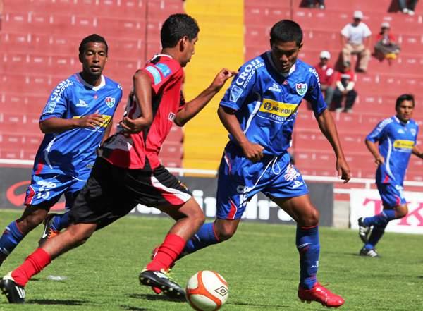 FECHA 27. Cerca de Moquegua, Unión Comercio logró una importante victoria ante Melgar por 2-1. (Foto: Diario El Puelo de Arequipa)
