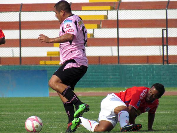 COMENZABA A FUNCIONAR. Sport Boys a ganar con la mejor disposición de sus mejores figuras. Mario Gómez es una de ellas.  (Foto: José Salcedo /DeChalaca.com)