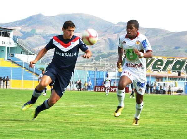 Inti Gas y San Martín, ambos equipos presentes en torneos internacionales en 2012, son la muestra de que cuando los clubes pertenecen a empresas su gestión se facilita. (Foto: El Romántico de Ayacucho)