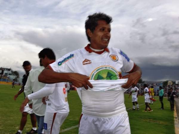 ESTÁ CRUZADO. Ángelo Cruzado anotó a los 80' el segundo para Inti Gas y selló la clasificación ayacuchana a la Sudamericana. (El Romántico de Ayacucho)