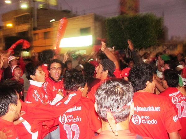 VUELAN ALTO. En Chiclayo ya piensan también en la Libertadores. Neymar llegaría al Elías Aguirre. (diario La Industria de Chiclayo)