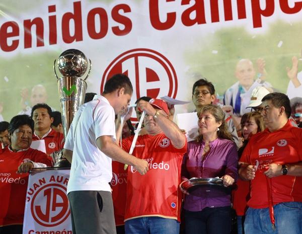 SIN BURRADAS. Pedro Ascoy ganó su primer título nacional y también fue declarado hijo ilustre de Chiclayo. (diario La Industria de Chiclayo)