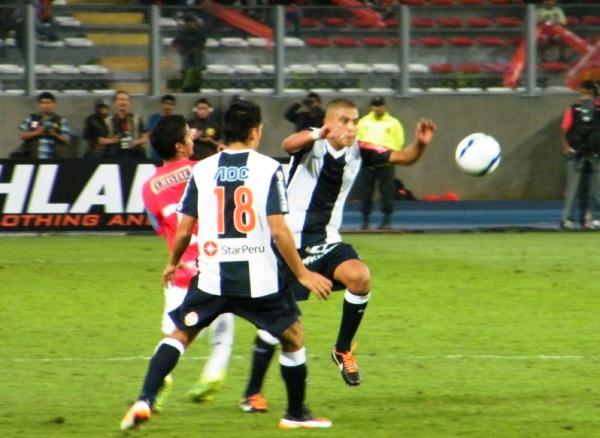 ES SU PARTIDO. Junior Viza mostró una muy buena actitud para disputar esta Final. (Foto: Wagner Quiroz / DeChalaca.com)