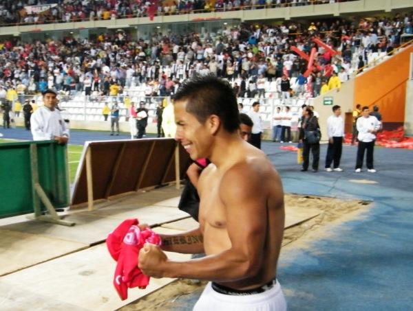 PROFETA EN SU TIERRA. Volvió luego de varios años a su tierra natal, Chiclayo, y salió campeón con el equipo emblemático. Merino cumplió un sueño. (Foto: Wagner Quiroz / DeChalaca.com)