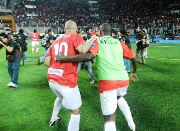 REVIVIÓ. Ricardo Ciciliano sacó fuerzas de flaqueza y celebró como si no hubiera jugado un minuto en la Final. (Foto: José Salcedo / DeChalaca.com)