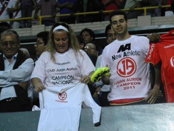 EN LIMA Y CHICLAYO. Los chiclayanos en Lima también dijeron presente en el Nacional. (Foto: José Salcedo / DeChalaca.com)
