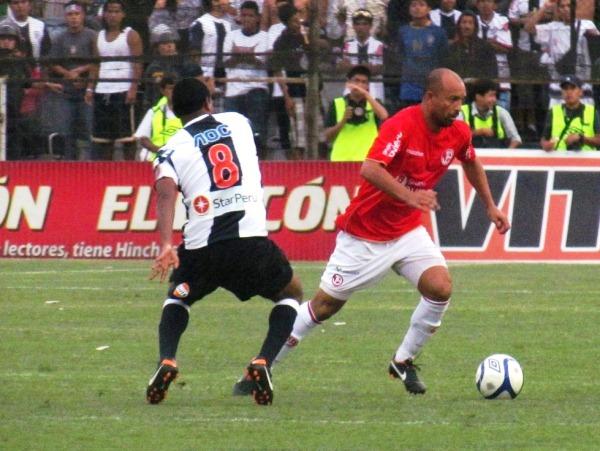 Ricardo Ciciliano fue el mejor de los jugadores extranjeros en el 2011. (Foto: José Salcedo / DeChalaca.com)