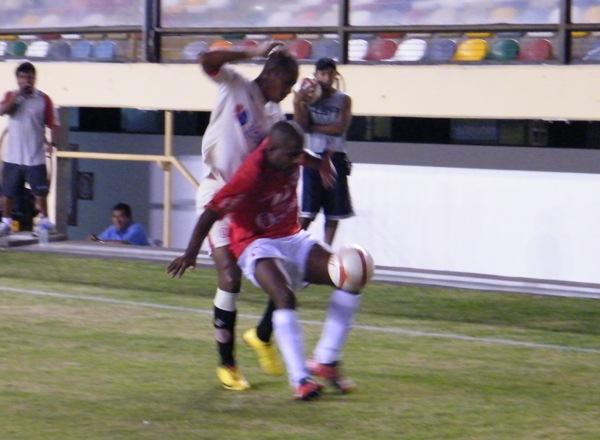 Universitario y Aurich, a diferencia de 2010 en la Libertadores, apuestan por una campaña que los deposite en las instancias decisivas de la Sudamericana (Foto: Wagner Quiroz / DeChalaca.com)
