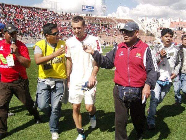 EL CAPO. Horacio Calcaterra no estaba en los planes iniciales de Nolberto Solano, pero terminó siendo la figura del partido. (Foto: Prensa Universitario)