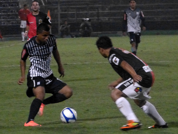 EL CAPO: Lleva todo el año en Alianza, pero recién en las últimas jornadas Junior Ponce ha empezado a mostrar gratas cualidades en el primer equipo (Foto: José Salcedo / DeChalaca.com)