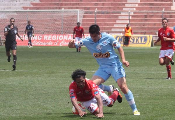 LA CLAVE. Los ingresos de Rengifo y Ávila le permitieron a Cristal tener mayor claridad en ataque. (Foto: José Carlos Angulo)
