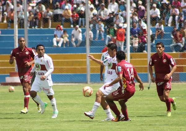 KAZUKI ITO. Yovanni Quevedo tuvo una irregular actuación, no obstante sus decisiones no influyeron en el resultado final. (Foto: cortesía Ovación Digital)