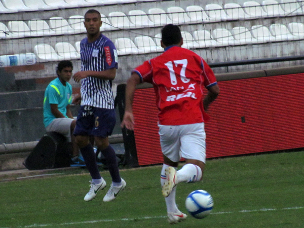 LA CALAMIDAD: El fútbol de Junior Viza se sigue haciendo extrañar en Alianza (Foto: José Salcedo / DeChalaca.com)