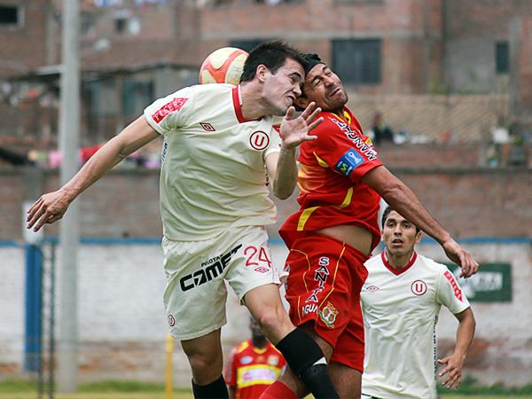 LA JOYITA: El 'Checho' Ibarra fue igual de importante que Cruzado para el triunfo huancaíno tanto por su gol como por la jugada previa al primer tanto (Foto: Jhefryn Sedano)