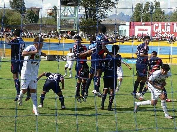 Con esta derrota, José Gálvez sumó la sexta consecutiva. En contraparte, Inti Gas ya lo pasó en la tabla, metiéndose así en zona de Copa Sudamericana. (Foto: Ciro Madueño)