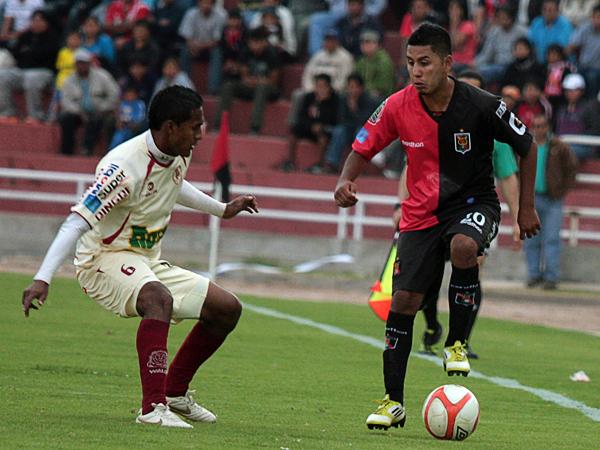 En Melgar destacó Edson Aubert, quien se las arregló para ser manija de la ofensiva del 'Dominó' (Foto: prensa FBC Melgar)