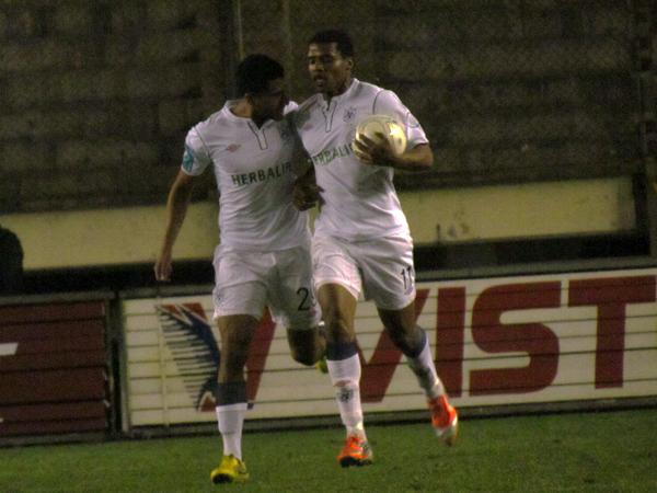 LA JOYITA: El empate llegó producto de una buena jugada en equipo que Luis Alberto Perea culminó como el goleador que es (Foto: José Salcedo / DeChalaca.com)