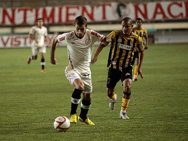 El argentino Horacio Calcaterra demostró en Universitario que su fútbol alcanza para jugar en equipos grandes (Foto: archivo DeChalaca.com)