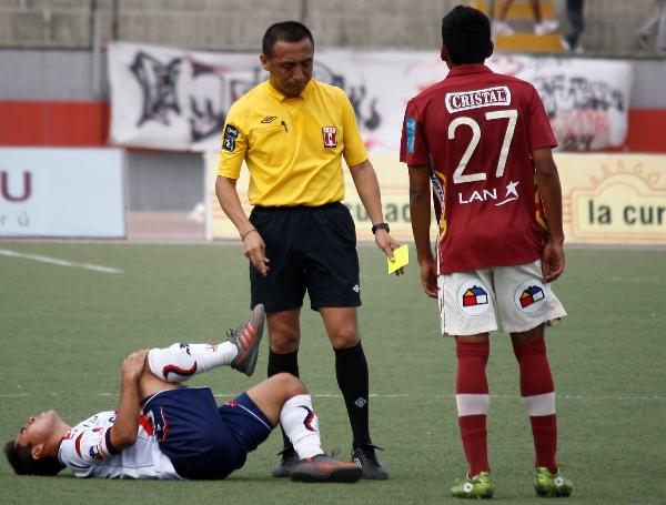 KAZUKI ITO. Correcto arbitraje de Fredy Arellanos, quien no se complicó durante el partido y no tuvo mayor influencia en el trámite. (Foto: Diario de Chimbote)