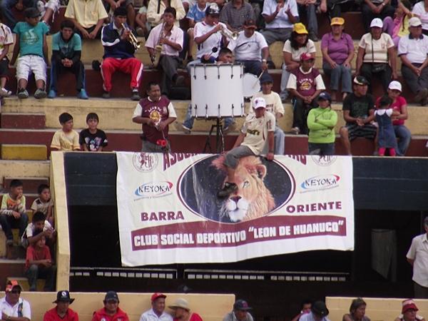 LA CANCHA. El público se hizo sentir en el Heraclio Tapia, pese a la poca afluencia: 1208 asistente. (Foto: Mihay Rojas / DeChalaca.com)