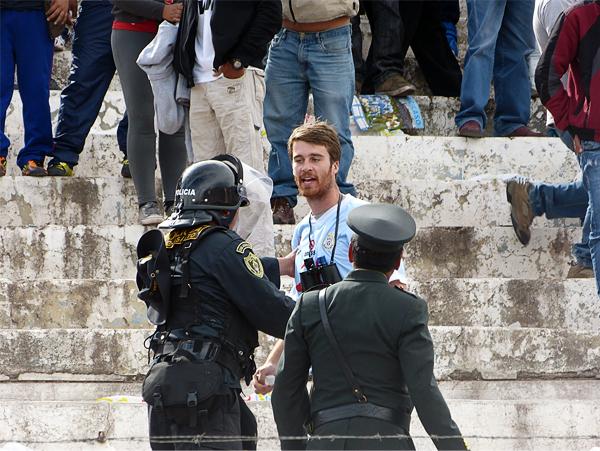 La violencia no tiene fronteras ni barreras de idioma tal como se pudo comprobar en el Garcilaso de la Vega con éste turista (Foto: José Salcedo / DeChalaca.com, enviado especial al Cusco)