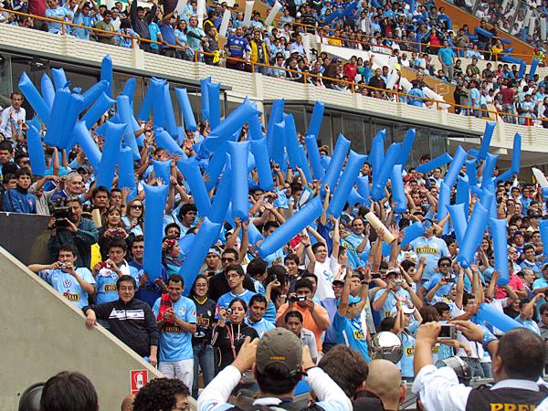 La opción del título congregó a buena parte de la hinchada celeste en el estadio Nacional (Foto: José Salcedo / DeChalaca.com)